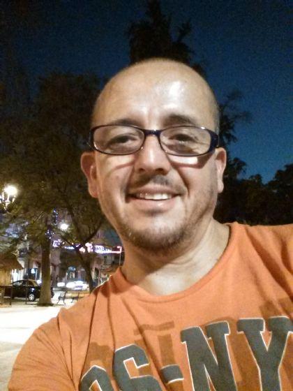 Julio, Hombre de Moquegua buscando una cita ciegas