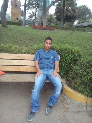 Ruben, Chico de San Juan de Lurigancho buscando una cita ciegas