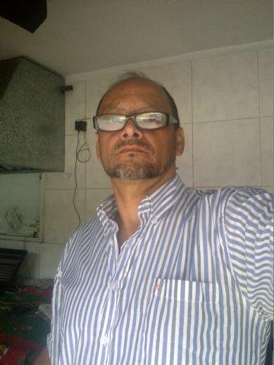 Arnaldo, Hombre de Caracas buscando pareja