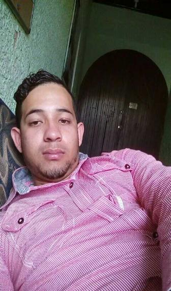 Bryan , Chico de Guatemala buscando una cita ciegas