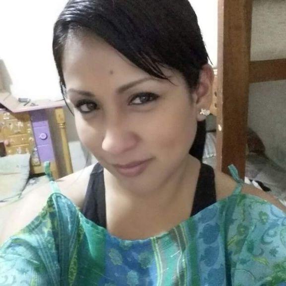 Laura, Chica de Quito buscando una cita ciegas