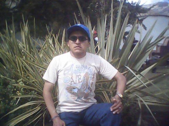Victor, Chico de La Paz buscando una cita ciegas