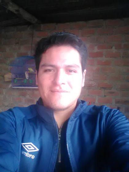 Alberto, Chico de Lima buscando conocer gente
