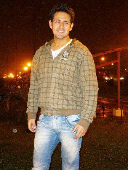 Miguel, Chico de Lima buscando una cita ciegas