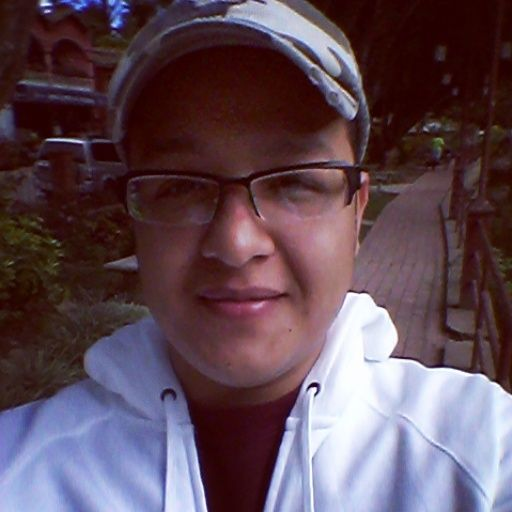 Jualián, Chico de Tegucigalpa buscando conocer gente