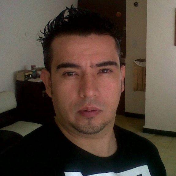 Marco, Hombre de Heroica Puebla de Zaragoza buscando una cita ciegas