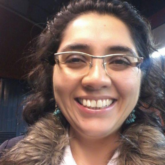 Carmen gloria , Mujer de Santiago buscando una cita ciegas
