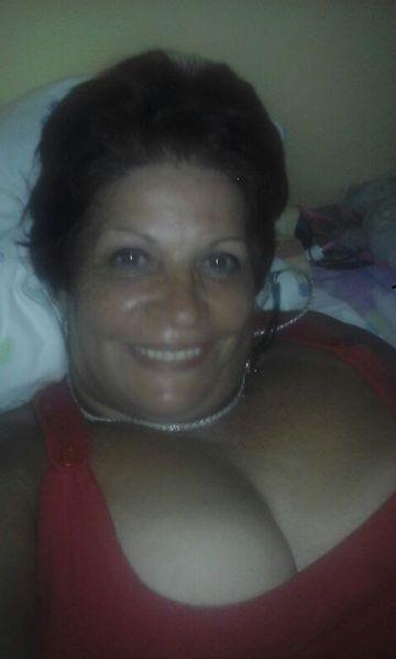 Roxana esquivel , Mujer de San José buscando amigos