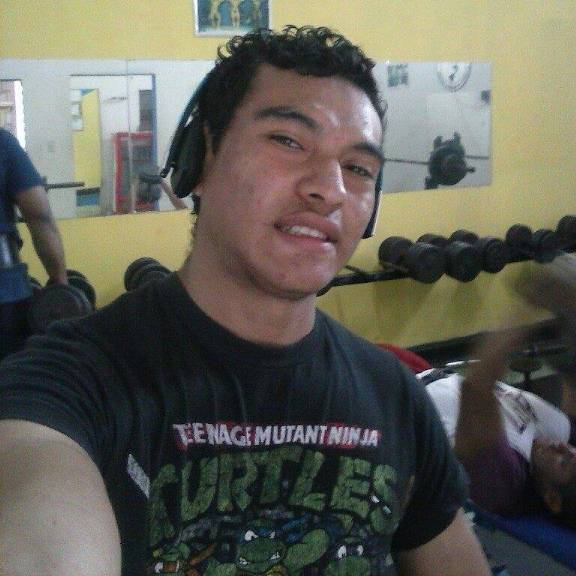 Alejandrozelaya, Chico de Tegucigalpa buscando pareja