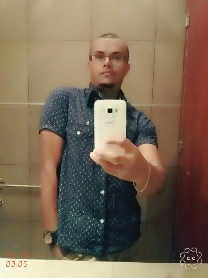 Jairo, Chico de Tegucigalpa buscando conocer gente