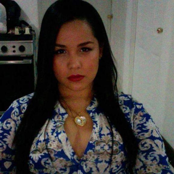 Yury, Chica de San José buscando una cita ciegas