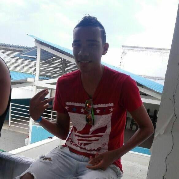 Andres , Chico de Candelaria buscando pareja