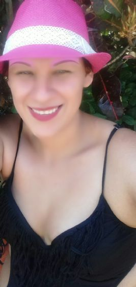 Dania, Chica de Costa Rica buscando conocer gente