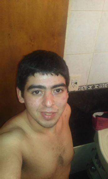 Sebastian, Chico de La Plata buscando una cita ciegas