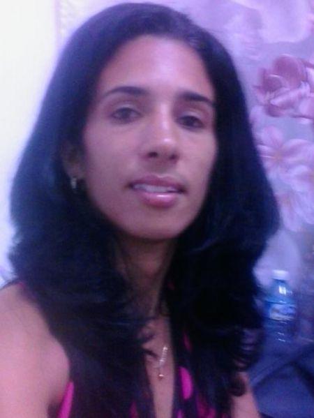 Moya, Mujer de La Habana buscando pareja
