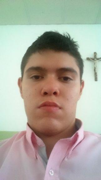 Daniel fernando , Chico de Neiva buscando amigos