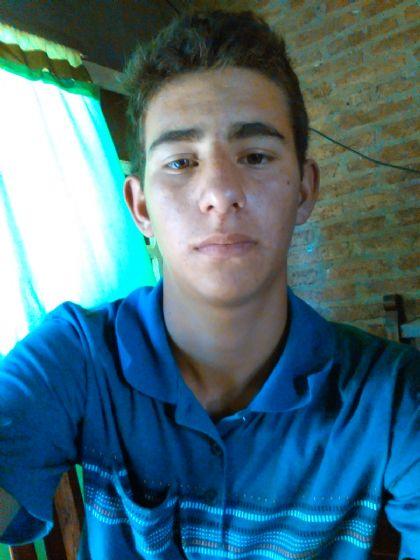 Juan, Chico de Resistencia buscando conocer gente