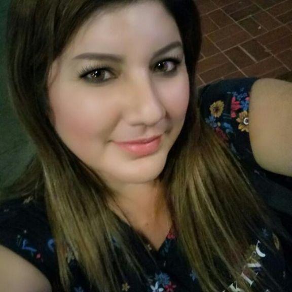 Vanesa, Mujer de Portoviejo buscando una cita ciegas