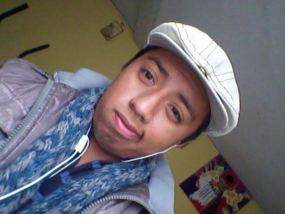 Luis, Chico de Guatemala buscando conocer gente