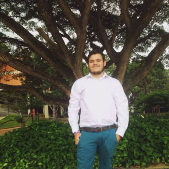 Christian , Chico de Caracas buscando pareja