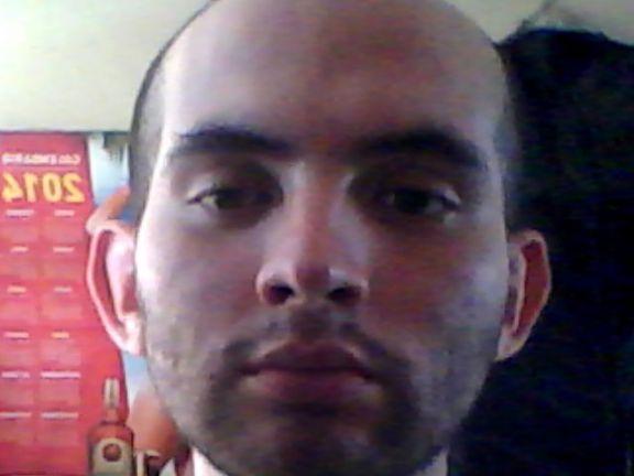 Manuel, Chico de Santiago buscando conocer gente