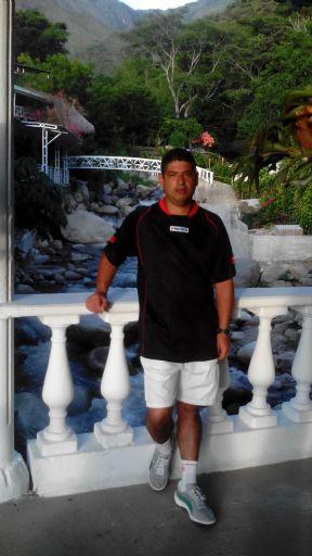 Gustavo, Hombre de Medellín buscando amigos