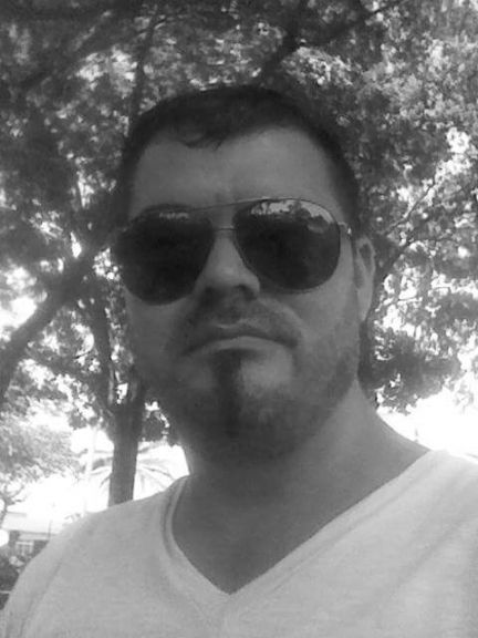 Arturo, Hombre de Escazú buscando pareja