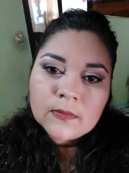 Laura, Mujer de Villa de Álvarez buscando conocer gente