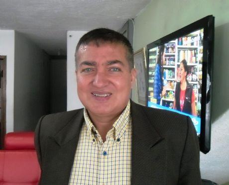 Adhemar , Hombre de Bogotá buscando pareja