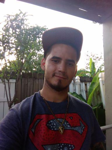 Eric, Chico de Miami buscando conocer gente