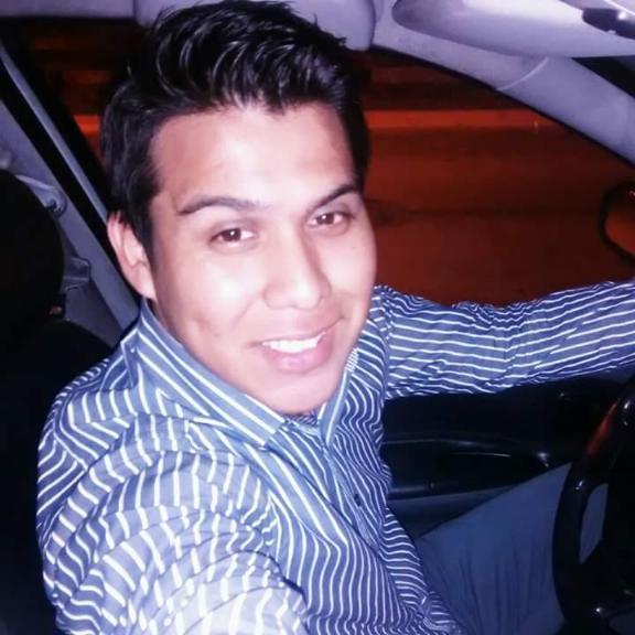 Fernando, Chico de Distrito de Lima buscando una cita ciegas