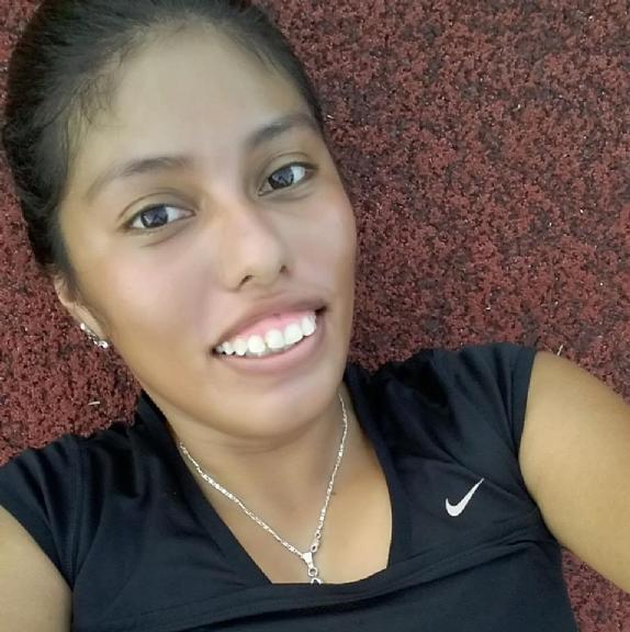 Aris, Chica de Cancún buscando pareja