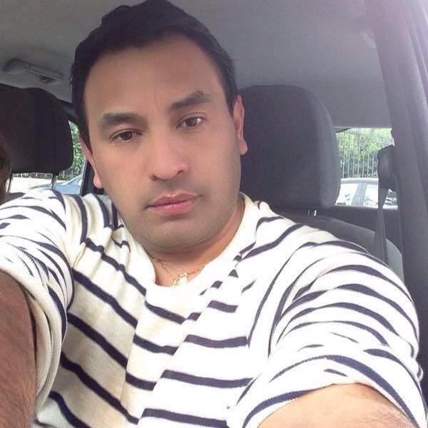 Carlos, Hombre de Badajoz buscando una cita ciegas