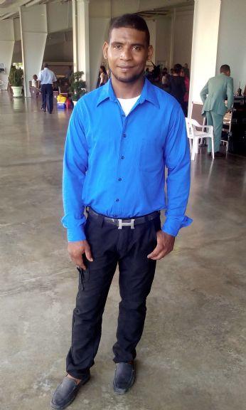 Otoniel ulloa sorian, Hombre de Santo Domingo buscando pareja