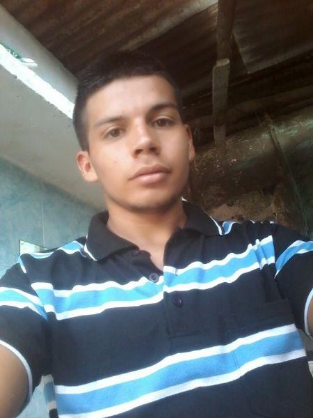 Jairo, Chico de Tolima buscando conocer gente