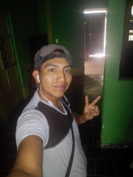 Javier daniel, Chico de Mixco buscando pareja