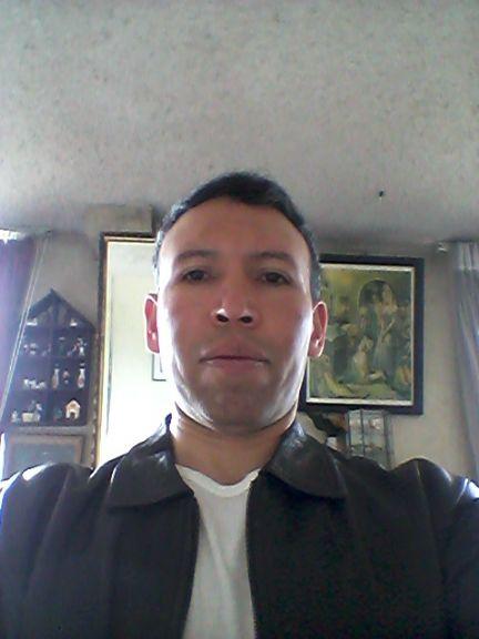 Roberto, Hombre de Quito buscando pareja