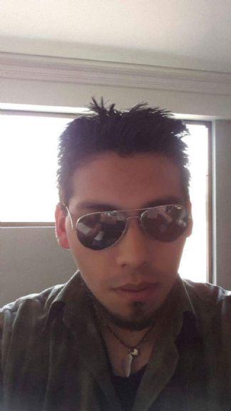 Israel, Chico de La Paz buscando una cita ciegas