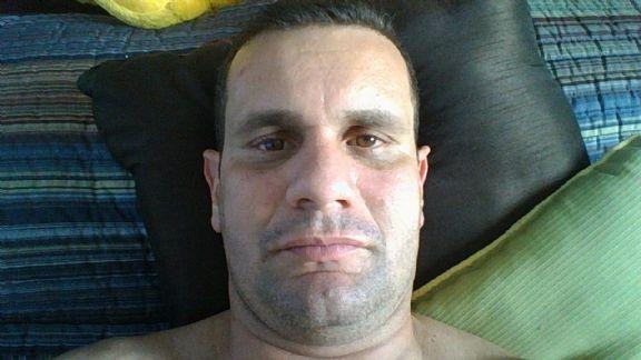 Carlos, Hombre de Hialeah buscando conocer gente