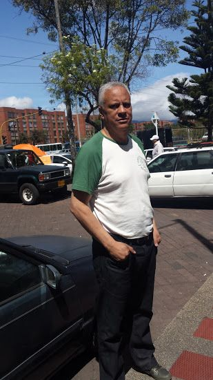 Carlos manuel, Hombre de Vancouver buscando pareja