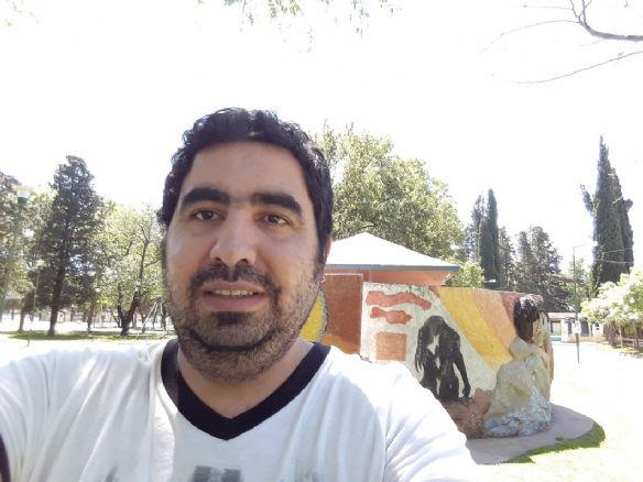 Juan pablo, Hombre de Isidro Casanova buscando conocer gente