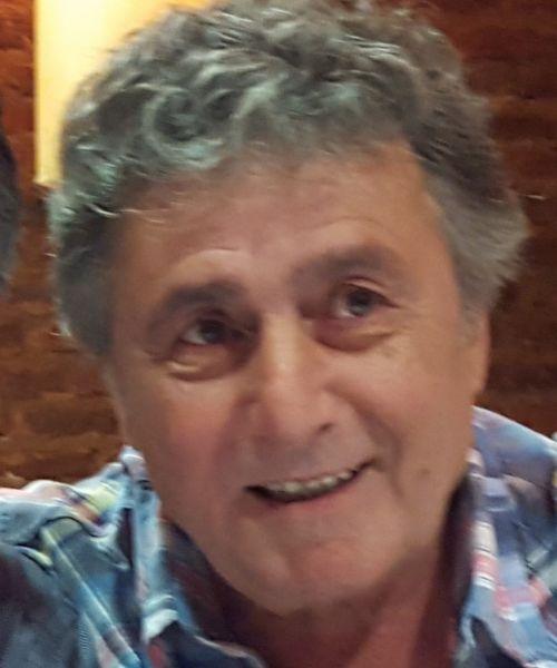 Giovanni, Hombre de Tres Arroyos buscando una cita ciegas