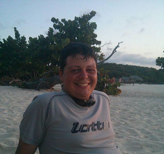 Andy, Chico de La Habana buscando pareja