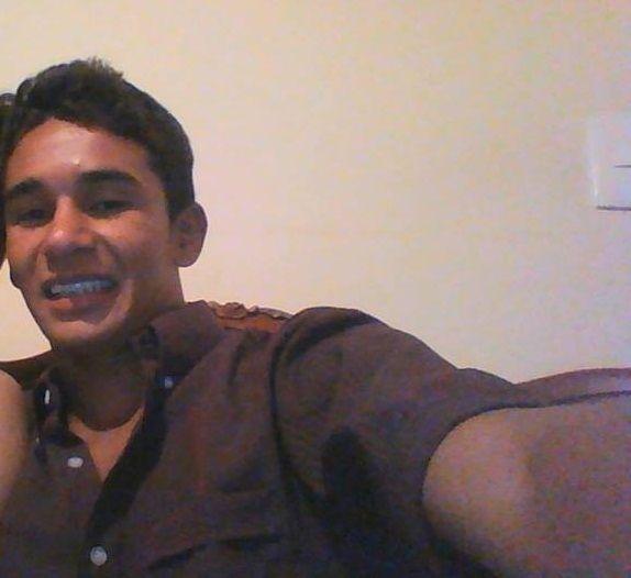 Jeferson, Chico de Bogotá buscando pareja