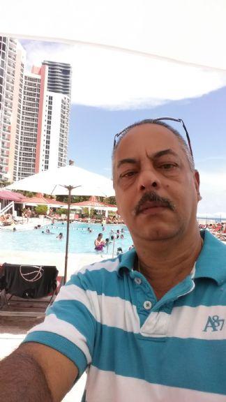 Kuvanito, Hombre de Miami buscando conocer gente