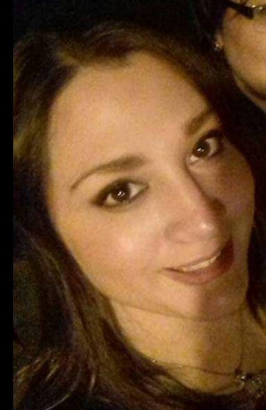 Hellen, Mujer de San José buscando una cita ciegas