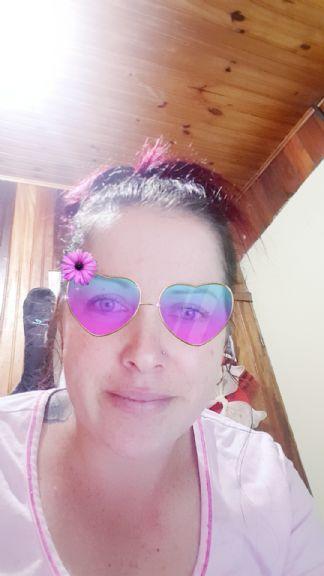 Liz, Mujer de San José buscando una cita ciegas