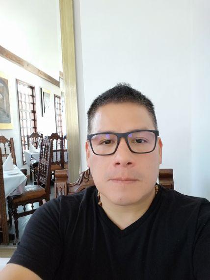 Luis, Hombre de San Francisco buscando conocer gente