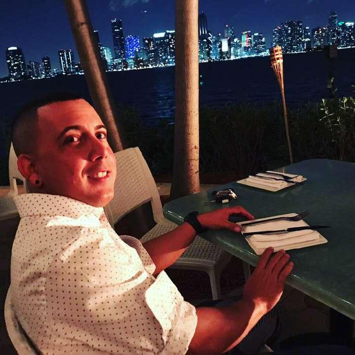 Chily, Chico de Miami buscando pareja