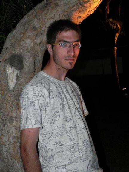 Demix, Chico de Río Cuarto buscando una cita ciegas